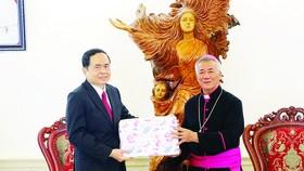 Đồng bào Công giáo đóng góp vào thành công chung cả nước