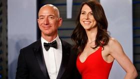 Bà MacKenzie Scott và chồng cũ Jeff Bezos, tại tiệc Oscar 2018, California, Mỹ, ngày 3-4-2018. Ảnh: REUTERS