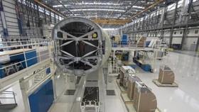 Một chiếc Airbus A321 đang được lắp ráp tại dây chuyền của Airbus ở thành phố Mobile, Alabama, Mỹ. Ảnh minh họa: REUTERS
