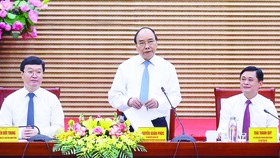 Thủ tướng Nguyễn Xuân Phúc: Nghệ An phải quyết liệt, năng động, sáng tạo hơn