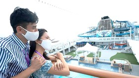 """Du khách trên """"Du thuyền không điểm đến"""" Dream Cruises"""