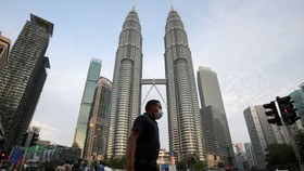 Thủ đô Kuala Lumpur, Malaysia, ngày 11-8-2020. Ảnh: REUTERS/Lim Huey Teng