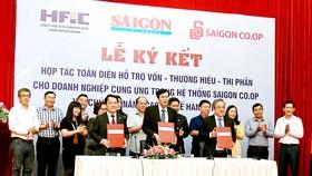 Hợp tác hỗ trợ hàng Việt vươn xa