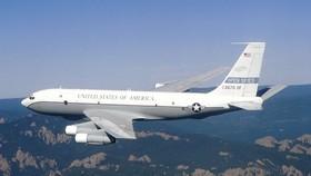 Một máy bay Boeing OC-135B của Mỹ trong nhiệm vụ bầu trời mở. Ảnh: Không quân Mỹ