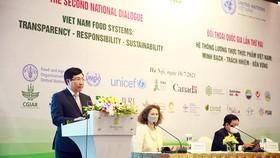 Phó Thủ tướng Chính phủ Phạm Bình Minh phát biểu tại phiên đối thoại