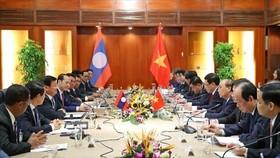 Ngày 5-7-2020, tại TP Đà Nẵng, Thủ tướng Nguyễn Xuân Phúc hội đàm Thủ tướng Lào Thongloun Sisoulith thăm và làm việc tại Việt Nam. Ảnh: TTXVN