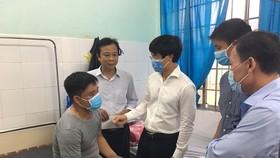 Lãnh đạo TP Vũng Tàu thăm hỏi cán bộ đô thị bị đánh
