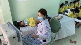 Học sinh Trường Tiểu học Lê Lợi nghi bị ngộ độc thực phẩm phải nhập viện cấp cứu