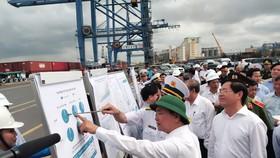 Thủ tướng Nguyễn Xuân Phúc thị sát cảng nước sâu Cái Mép – Thị Vải