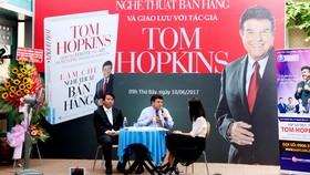 Tom Hopkins giao lưu với độc giả Việt Nam