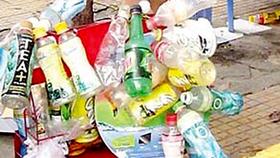 Cẩn thận khi tận dụng hộp nhựa
