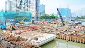 Cống ngăn triều Bến Nghé thuộc dự án giải quyết ngập do triều cường cho TPHCM có xét đến yếu tố biến đổi  khí hậu được kỳ vọng khi hoàn thành sẽ giải quyết ngập do triều cường cho diện tích 570km2 với 6,5 triệu dân  trong vùng dự án. Ảnh: Chủ đầu tư cung