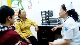 Nhiều trở ngại trong điều trị trẻ nhiễm HIV