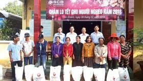 SCB trao tặng hàng ngàn phần quà tết cho người nghèo