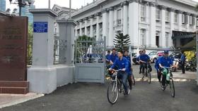 Các đoàn viên, thanh niên Đoàn khối Dân - Chính - Đảng TPHCM đạp xe về với địa chỉ đỏ cách mạng Xuân Mậu Thân