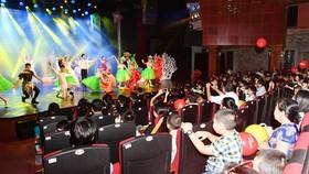"""""""Bay lên những ước mơ"""", show diễn ấn tượng mùa hè dành cho trẻ em"""