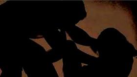 Truy tìm nghi phạm hiếp dâm, cướp tiền của bé gái bán vé số