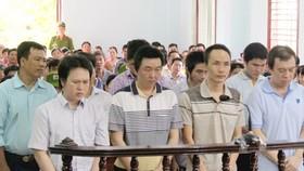 Các bị cáo trong vụ án Thanh tra Giao thông TP Cần Thơ nhận hối lộ
