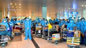 Đưa hơn 300 công dân Việt Nam từ Ấn Độ về nước