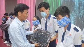 Sóc Trăng trao 406 học bổng Lương Định Của cho học sinh, sinh viên nghèo
