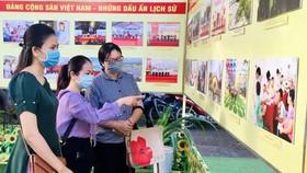 """Triển lãm ảnh """"Đảng Cộng sản Việt Nam – Những dấu ấn lịch sử"""""""