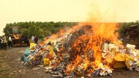 Tiêu hủy hơn 164.000 bao thuốc lá nhập lậu
