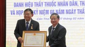 Đại học Y Dược Cần Thơ đón nhận 12 danh hiệu Thầy thuốc Nhân dân và Thầy thuốc Ưu tú