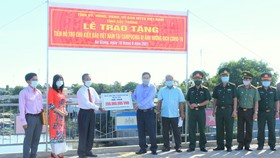 Hỗ trợ kiều bào người Việt tại Campuchia bị ảnh hưởng bởi dịch Covid-19