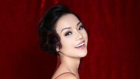 Thái Thùy Linh làm minishow tại TPHCM