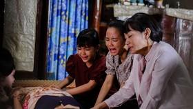 Dàn diễn viên ám ảnh phải khóc khi quay phim