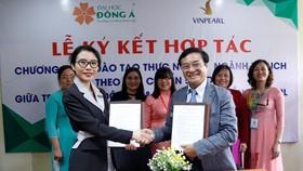 Trường Đại học Đông Á và Vinpearl ký kết thỏa thuận hợp tác chính thức về chương trình đào tạo thực nghiệp ngành Du lịch theo tiêu chuẩn 5 sao