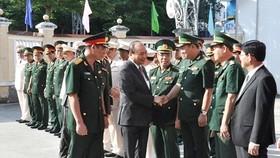 Thủ tướng Nguyễn Xuân Phúc thăm, chúc tết lực lượng vũ trang TP Đà Nẵng