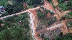 Tình trạng làm đường, phân lô bán nền trái phép ở Đà Lạt vẫn tiếp diễn
