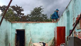38 căn nhà ở Lâm Đồng tốc mái do lốc xoáy