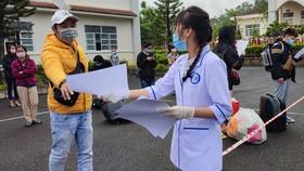 Lấy thông tin trường hợp cách ly tập trung tại Trung tâm Huấn luyện và bồi dưỡng nghiệp vụ, Công an tỉnh Lâm Đồng