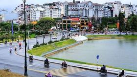 Nhiều dịch vụ tại tỉnh Lâm Đồng được mở lại sau gần 3 tháng phải tạm dừng để phòng dịch Covid-19