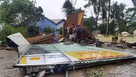 Khánh Hòa: 27 người chết, 10.000 căn nhà bị sập đổ và tốc mái do bão số 12