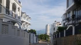 Phố biệt thự trái phép trên núi Cô Tiên gây nguy hiểm cho dân cư