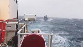Một tàu cá Khánh Hòa va đá ngầm, 2 người chết và mất tích