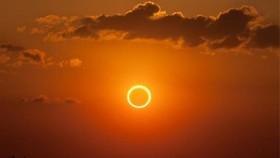 Trưa nay 21-6, mặt trăng che mặt trời