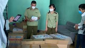 Bắt giữ hàng chục ngàn khẩu trang không có hóa đơn tại Đà Nẵng