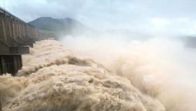 Thủy điện Sơn La có thể hứng lũ tới 8.000m³/giây
