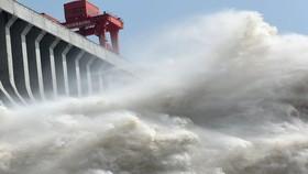 Trung Quốc xả lũ thủy điện xuống sông Hồng