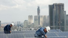 EVN mua điện mặt trời mái nhà với giá 1.943 đồng/kWh