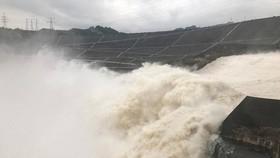 Nước hồ thủy điện Sơn La vượt mức bình thường 1,27m