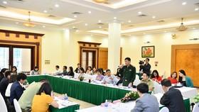 """Băn khoăn """"quản"""" thuốc lá thế hệ mới ở Việt Nam"""