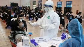 Kiến nghị sớm tiêm vaccine cho công nhân tại các nhà máy, khu công nghiệp
