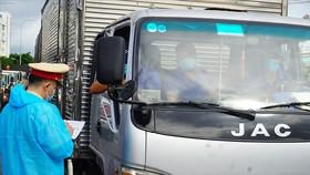 Bộ Công thương đề nghị ưu tiên vaccine cho lái xe liên tỉnh, lao động logistics