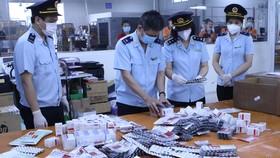 Bắt lô hàng hơn 60.000 viên thuốc điều trị Covid-19