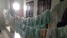 VIDEO: Khuyến cáo người dân không sử dụng hàng lạ trôi dạt vào đảo Phú Quý